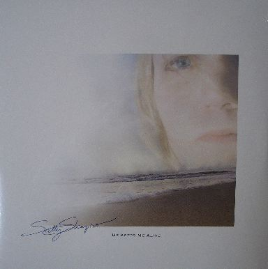SALLY SHAPIRO / HE KEEPS ME ALIVE
