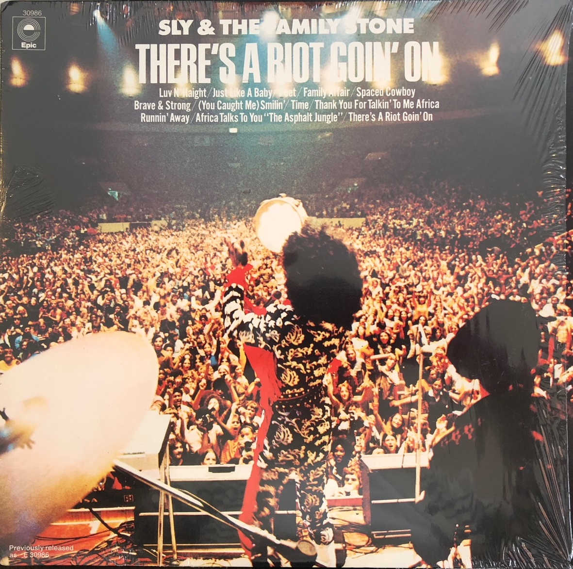 SLY & THE FAMILY STONE / THERE'S A RIOT GOIN ON